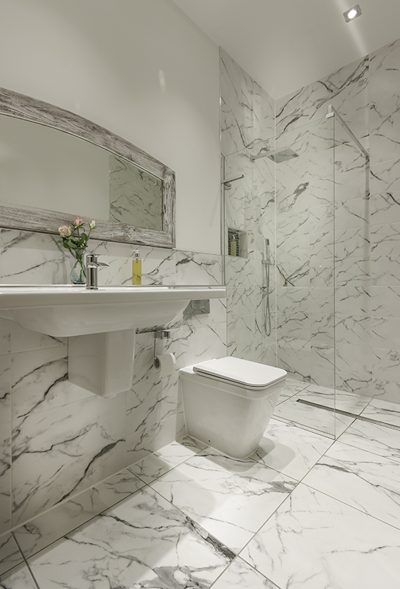 Thistle Bathroom 1