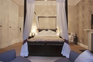 Sequoia Bedroom 2